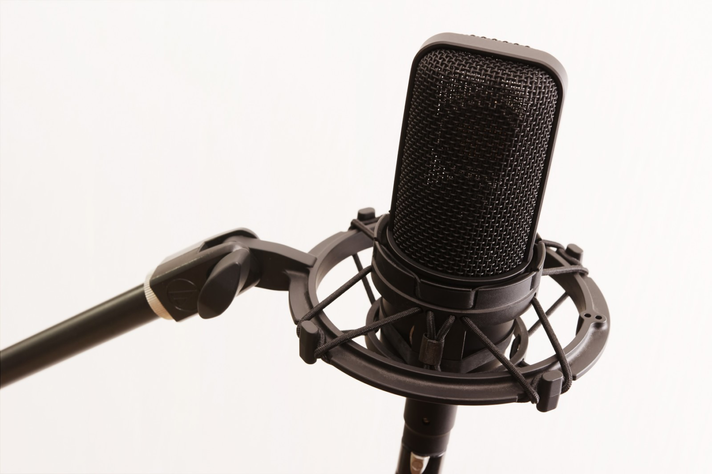 SNSのビジネス活用、私がラジオパーソナリティをお手本にした理由〜NSTのFMポート閉局ドキュメンタリーを見て気付いたこと〜